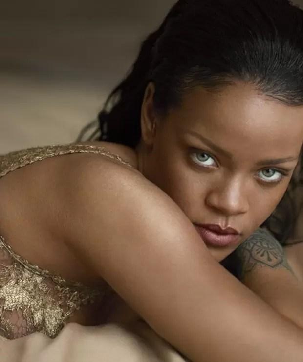 Rihanna na Vogue US (Foto: Reprodução)