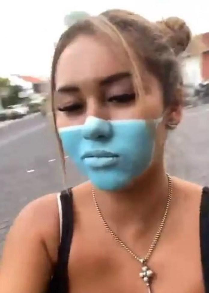 Leia Se pintou a máscara no rosto após ser barrada em mercado por não vestir o acessório — Foto: Reprodução/Instagram