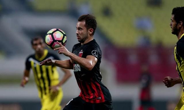 Éverton Ribeiro é cobiçado por Flamengo e São Paulo (Foto: Divulgação)