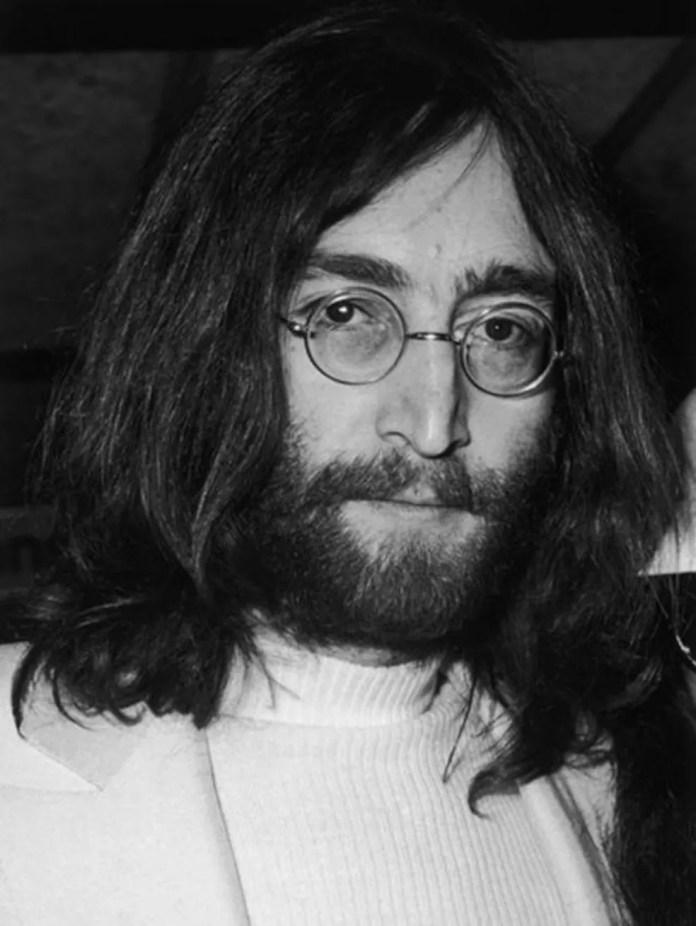 A maioria das crateras lunares tem o nome de cientistas, mas uma exceção foi feita para o músico John Lennon — Foto: Getty Images via BBC