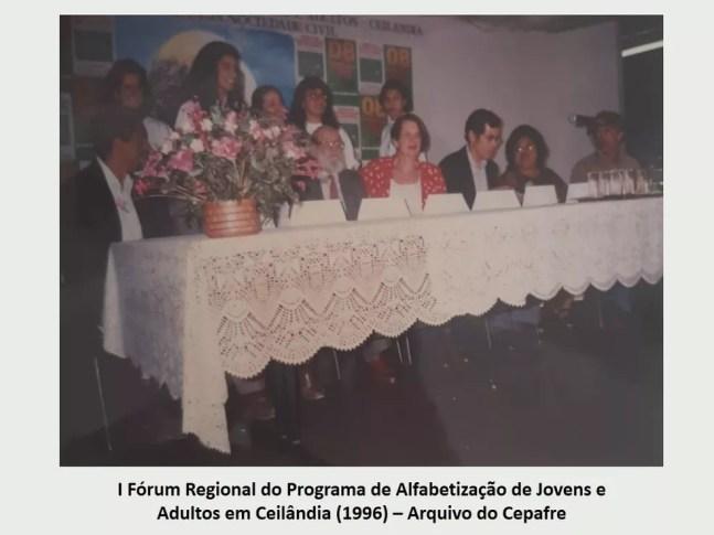 Paulo Freire durante I Fórum Regional do Programa de Alfabetização de Jovens e Adultos, em Ceilândia (DF) — Foto: Arquivo Cepafre