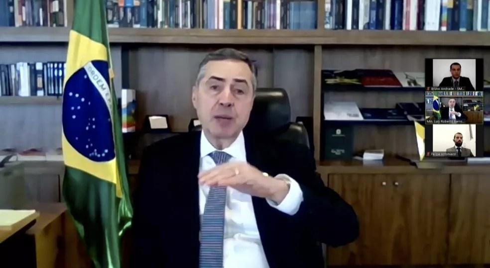 O ministro Luís Roberto Barroso durante apresentação do perfil do eleitorado brasileiro nas eleições deste ano — Foto: TSE