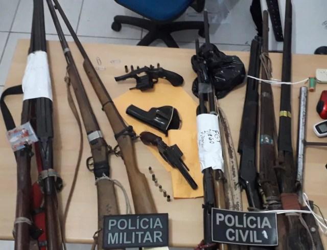 Arsenal de armas é preso em operação da polícia em Santa Quitéria — Foto: Divulgação/Polícia Civil