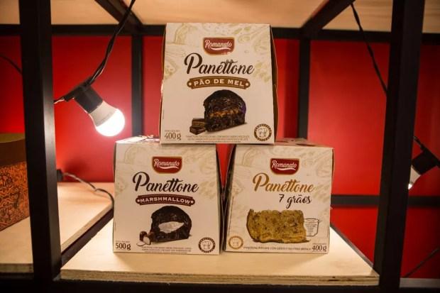 Panetones com recheios de marshmallow e pão de mel e integral com sete grãos são destaques da Romanato — Foto: Fabio Tito/G1