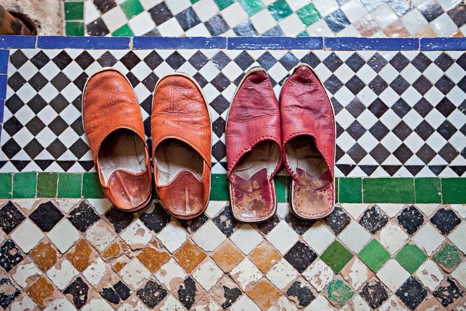 """Os mosaicos e os chinelinhos de uso interno são """"a cara"""" do mundo árabe (Foto: Lufe Gomes/Life by Lufe)"""