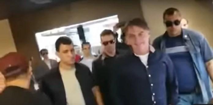 Imagem de vídeo de Bolsonaro que foi excluído do Twitter — Foto: Reprodução