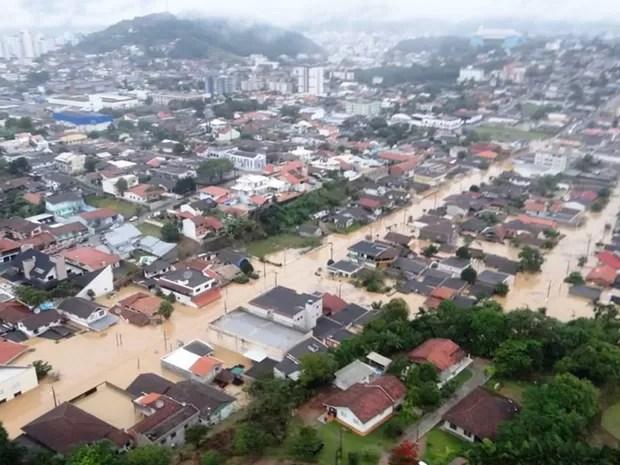 Jaraguá do Sul foi uma das cidades mais afetadas pelas enchentes deste fim de semana (Foto: Prefeitura de Jaraguá do Sul/Divulgação)