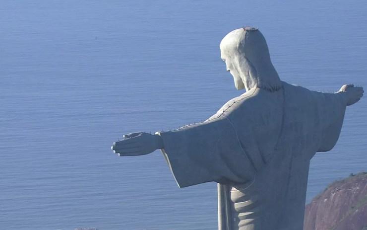 Cristo Redentor é o monumento que mais recebe turistas no Brasil — Foto: Reprodução/TV Globo