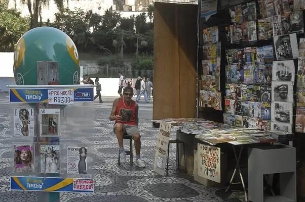 Nesta segunda-feira (23), chips da TIM estavam sendo vendidos livremente em bancas de jornal no Rio de Janeiro (Foto: Tânia Rêgo/ABr)
