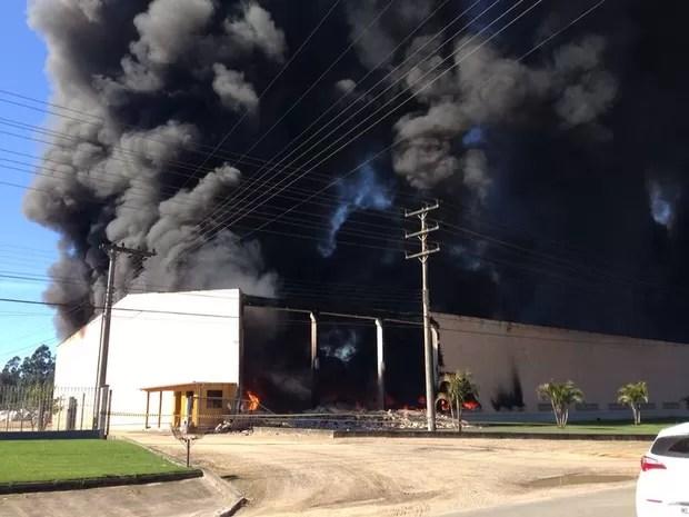Incêndio em Braço do Norte (Foto: Gabriel Felipe/RBS TV)