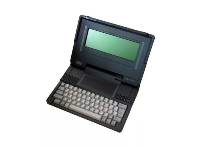 Os modelos da Psion tinham SSD e um touchpad localizado acima do teclado (Foto: Divulgação/Psion)