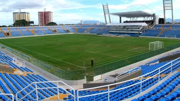 estádio presidente vargas ceará campo (Foto: Richard Souza / Globoesporte.com)