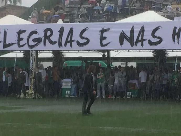 puyol arena condá velório (Foto: Amanda Kestelman / GloboEsporte.com)
