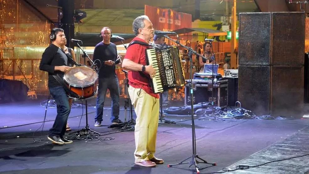 Flávio José foi confirmado no São João do Campestre, no mês de junho, em Campina Grande (Foto: Kamylla Lima/G1/Arquivo)