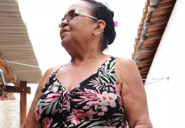 Maria Rocha, moradora de Santana do Matos, tem esperança de um ano novo de boas chuvas (Foto: Anderson Barbosa/G1)