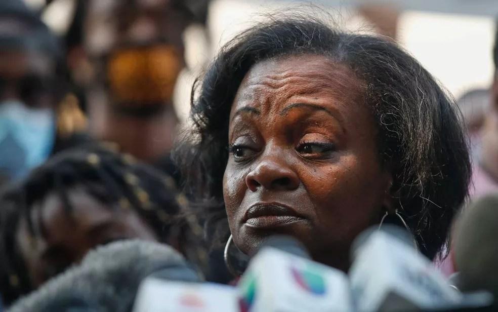 Julia Jackson, mãe de Jacob Blake Jr — Foto: Kamil Krzaczynski / AFP Photo