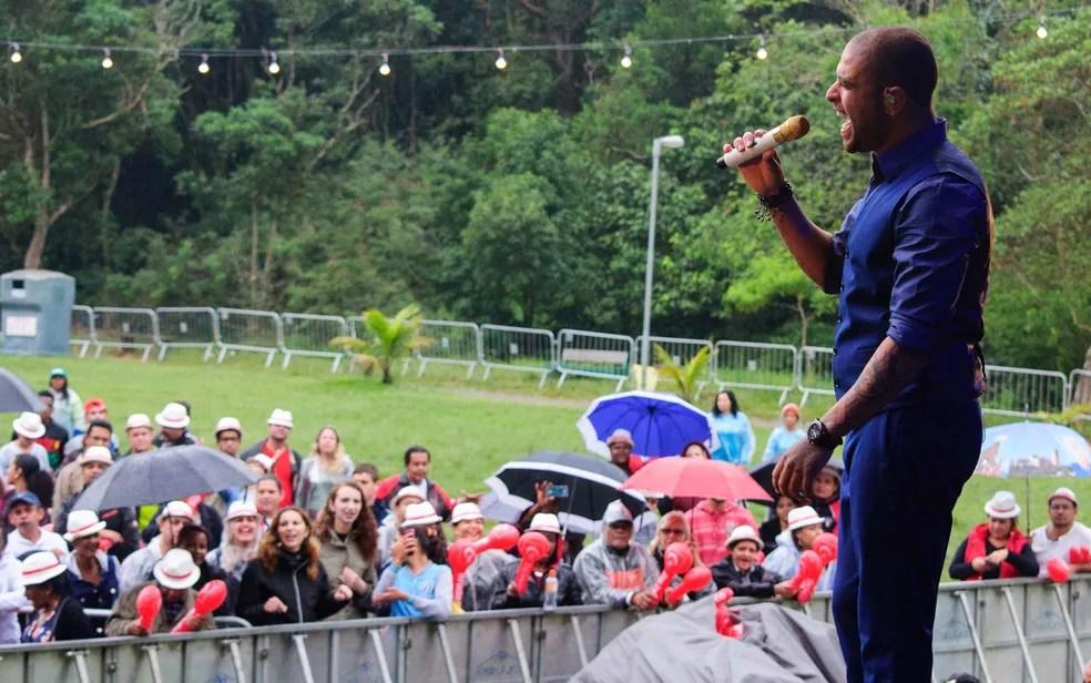 Apresentação do cantor Diogo Nogueira no Parque do Carmo na Zona Leste de São Paulo, neste domingo (21), na Virada Cultural (Foto: Peter Leone/Futura Press/Estadão Conteúdo)