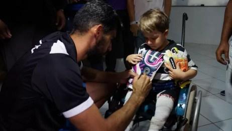 Vaná goleiro do ABC João gabriel (Foto: Augusto Gomes/GloboEsporte.com)