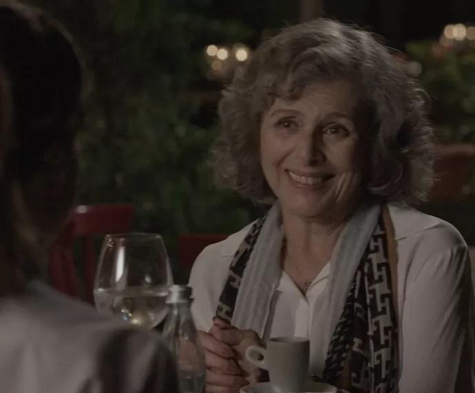 A viúva pede um emprego à chef (Foto: TV Globo)
