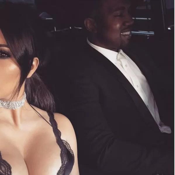 Kim Kardashian posta série de fotos calientes na web e choca seguidores