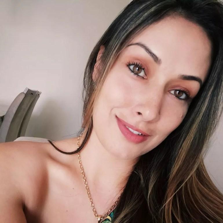 Adriele Francine Dezzotti tinha 33 anos e foi morta em loja de pneus em Piracicaba — Foto: Reprodução/Facebook
