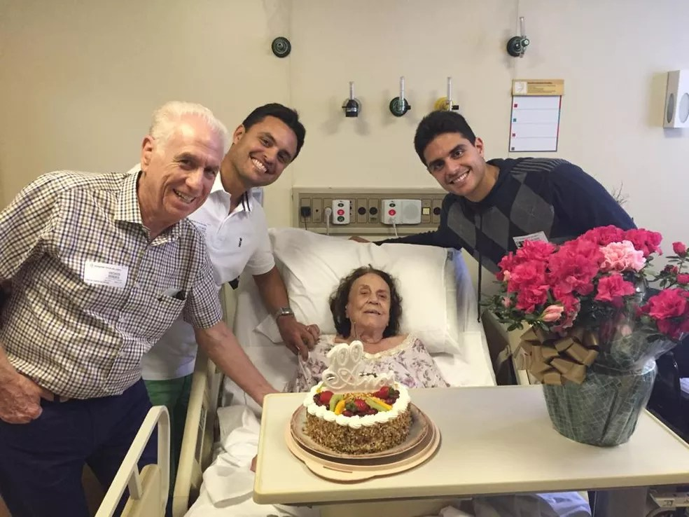 Ada Adelia Giovine Manrubia comemorou os 100 anos após fazer cirurgia na cabeça — Foto: Arquivo pessoal