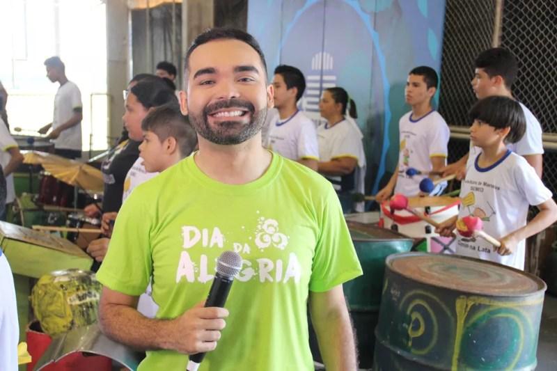 Apresentador comandou a festa (Foto: Matheus Castro/Rede Amazônica)