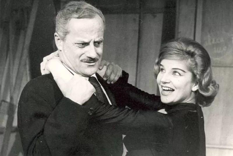 Tônia Carrero e Paulo Autran em 'Seis Personagens à Procura de um Autor', de Luigi Pirandello, 1959. Direção: Adolfo Celi. (Foto: Cedoc/Funarte)