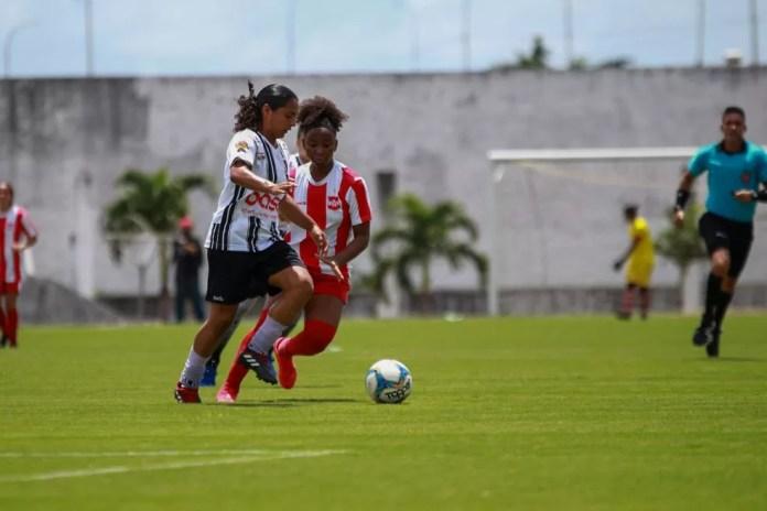 Futebol paraibano segue precisando direcionar melhores horizontes à categoria feminina — Foto: Clicksportive