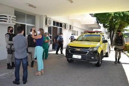 Polícia Militar precisou ser acionada para ajudar a conter mulher que surtou no Hospital Hélvio Auto, em Maceió — Foto: Ascom/Hélvio Auto