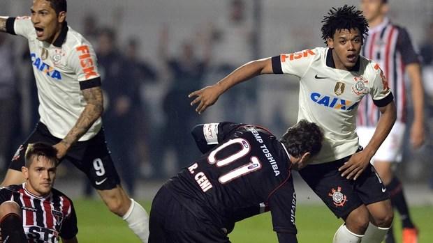 Romarinho, Corinthians x São Paulo - final Recopa (Foto: AFP)