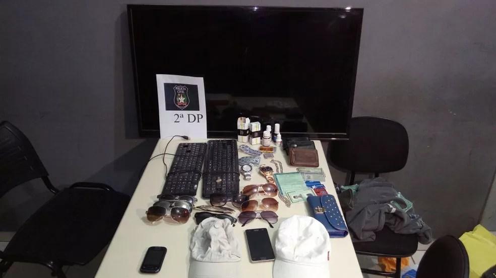 Materiais roubados foram apreendidos  (Foto: Rejane Gambin/RBS TV)