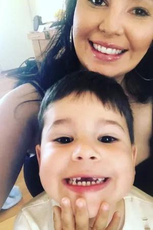 A australiana Laura e seu pequeno Luca, 4 (Foto: Reprodução Instagram)