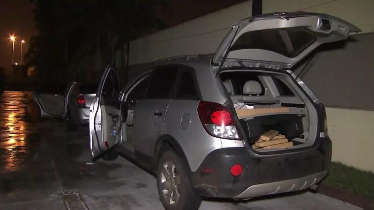 Meia tonelada de maconha foi encontrada em motel — Foto: Reprodução/TV Globo