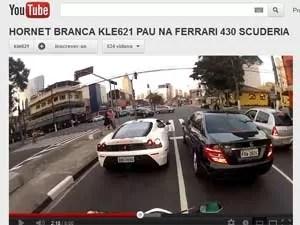"""Video mostra """"arrancada"""" contra Ferrari em semáforo (Foto: Reprodução)"""