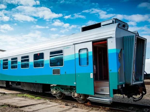 Novos vagões do trem de passageiros da Vale foram importados da Romênia (Foto: Divulgação Astra/ Vale)