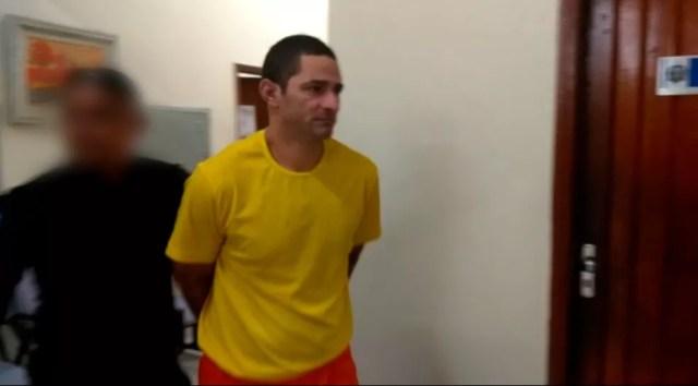 Ueliton Aparecido é acusado de matar a ex-companheira a pauladas.  — Foto: Divulgação
