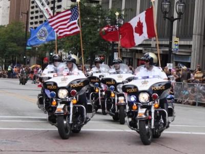 Apesar de a maioria dos participantes dos festejos em Milwaukee ser americana, pessoas de todo o mundo foram à cidade (Foto: Rafael Miotto/G1)