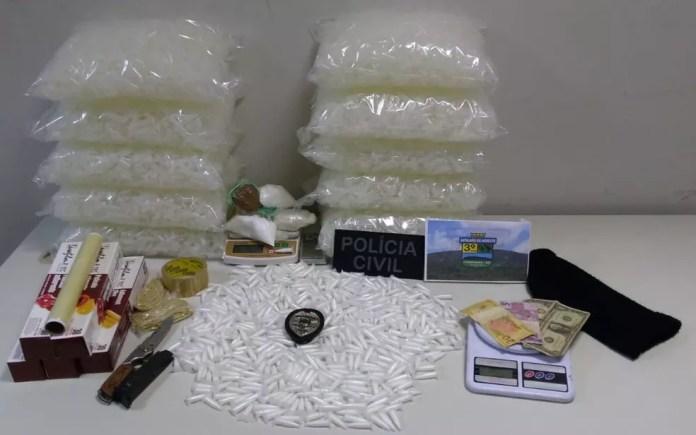 Drogas apreendidas pela polícia — Foto: PM/PC
