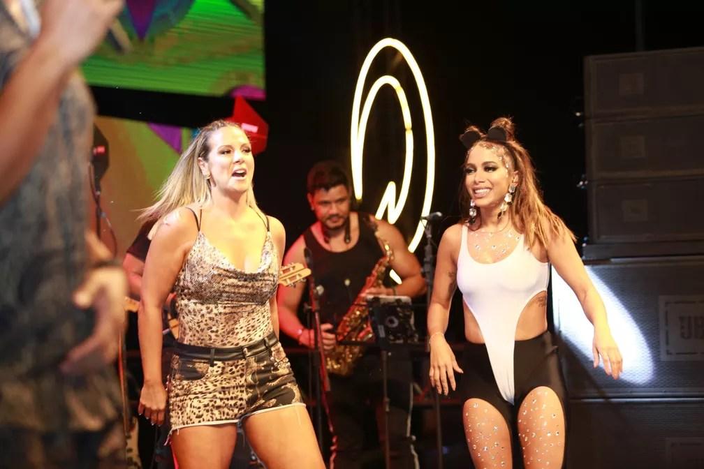 Carla Perez também participou do ensaio da cantora carioca — Foto: Mauro Zaniboni /Ag Haack