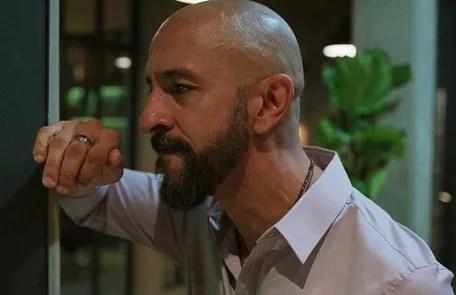 Na segunda-feira (3), Álvaro descobrirá que Junior não pode ser seu filho Reprodução