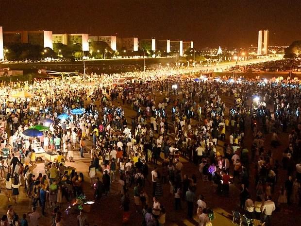 Público se concentra ao lado do Museu da República, onde aconteceu o réveillon oficial de Brasília; Baby do Brasil fechou a noite (Foto: Tony Winston/Agência Brasília)