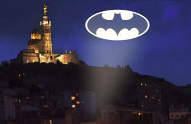Cidade da França pede ajuda ao Batman para ajudar a solucionar dezenas de crimes (Foto: Reprodução/Facebook/Un Batman pour Marseille?)