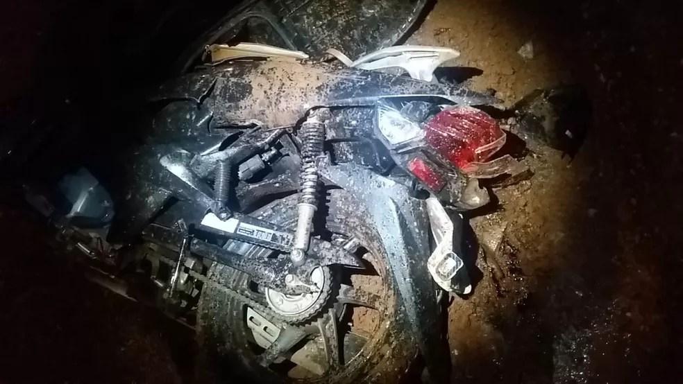 Motociclista morre atropelada por caminhão em Cuiabá — Foto: Deletran/Assessoria