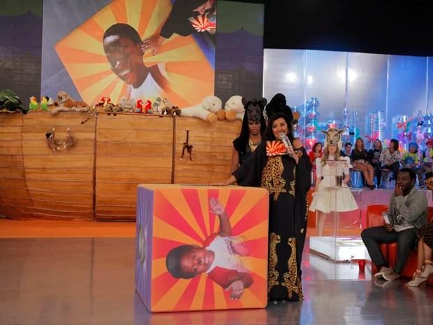 Regina Casé faz festa dupla no Esquenta (Foto: Globo/João Januário)