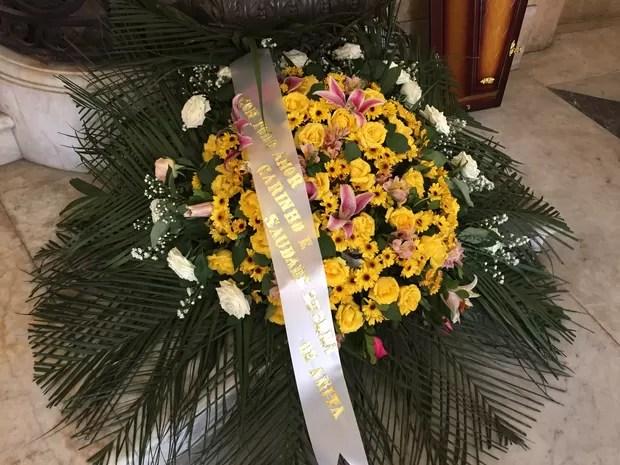 Flores enviada pela mulher Anita Miele (Foto: Priscila Bessa/EGO)