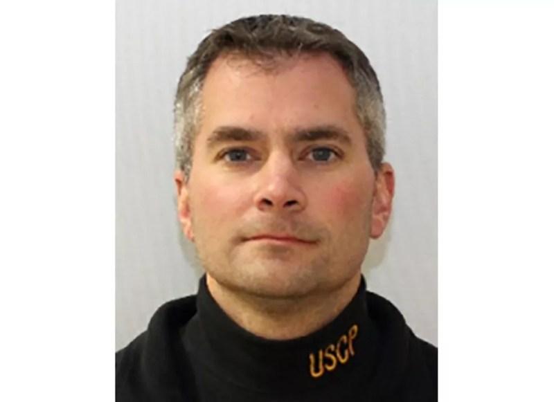 O policial do Capitólio dos EUA, Brian Sicknick, que foi morto na invasão à sede do Congresso americano — Foto: Polícia do Capitólio via AP