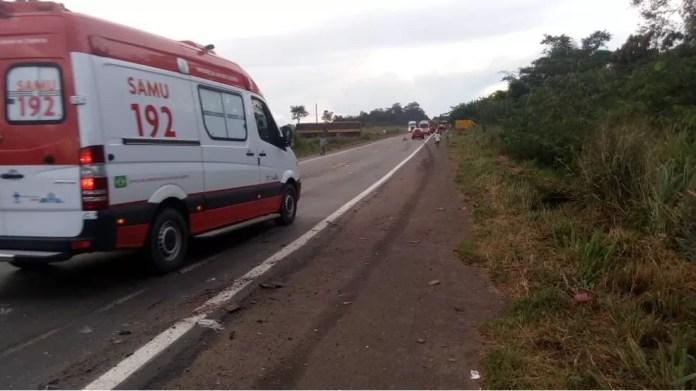 Idoso não consegue concluir ultrapassem e morre após colidir contra três carretas na BR-364 em RO (Foto: Carlos Alberto Pereira/Arquivo Pessoal)