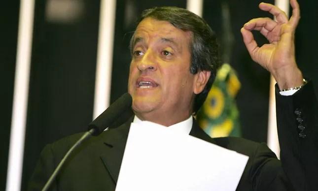 Valdemar Costa Neto na época do mensalão