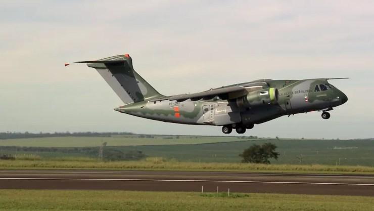 KC 390 deve entrar em operação pela FAB  (Foto: Reprodução/EPTV)